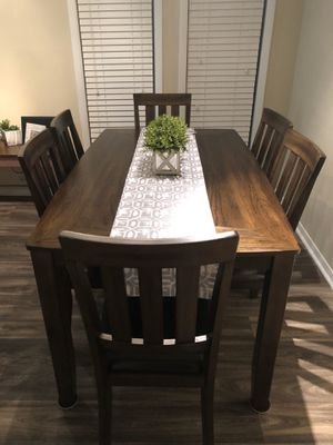 Dining table for Sale in Alpharetta, GA