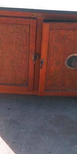 Cabinet for Sale in Ruskin,  FL