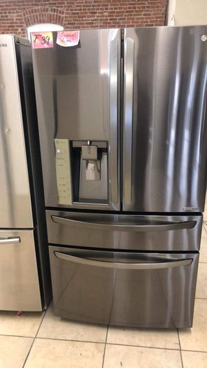 Refrigerator French door fridge with 4 doors dark stainless lg brand COUNTER DEPTH for Sale in Los Angeles, CA