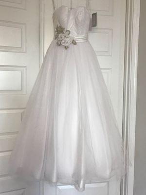 Oleg Cassini Wedding Dress / Size 8 / White for Sale in Phoenix, AZ
