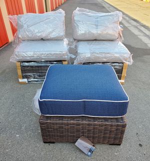 Outdoor wicker chairs and ottoman for Sale in Bakersfield, CA