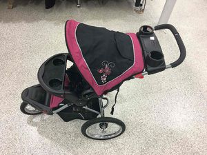 Baby carriage for Sale in Miami, FL