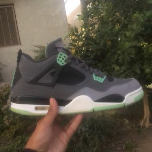 Jordan 4 Green Glow for Sale in Long Beach, CA