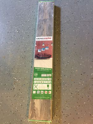 FREE Laminate Floor 1 box for Sale in Duncanville, TX