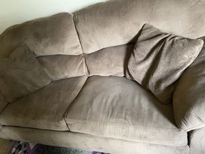 Brown couch for Sale in Columbus, OH