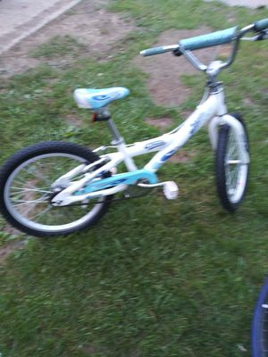 Have a 20in girls bike like new for Sale in Galloway, OH