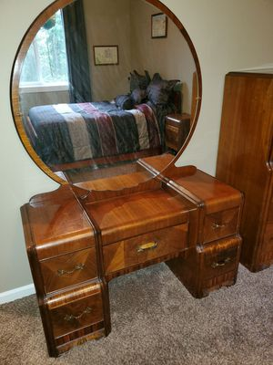 Antique Waterfall Made in Portland full bedroom furniture 1940's for Sale in Vancouver, WA