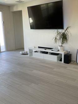 Waterproof Flooring Luxury Vinyl Laminate Hardwood Baseboards for Sale in Las Vegas,  NV