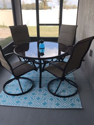Outdoor Table and Chairs for Sale in Palmetto, FL