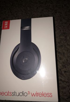 Beats by Dre studio 3 wireless headphones 🎧 (Blue) for Sale in Denver, CO