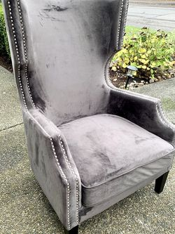 Beautiful Gray Velvet Nailhead Trim Wingback/ HighBack Accent Chair (LIKE NEW CONDITION) for Sale in Renton,  WA