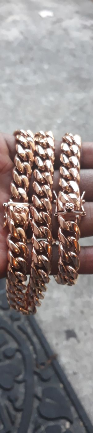 """$120....12mm 24"""" stock....🏌️🤳🏆🤩14k Rose gold-plated cuban link chain and bracelet.... will not fade or tarnish.... I deliver 🚗💭💭 for Sale in Fort Lauderdale, FL"""