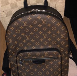Louis Vuitton BackPack M41530 Josh for Sale in Raleigh, NC