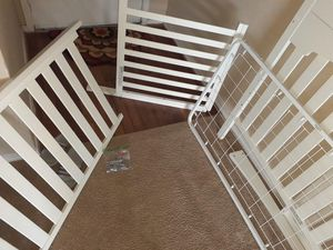 White wood baby crib turn into toddler bed for Sale in Houston, TX