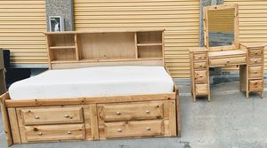 Very Nice Full Size Bedframe for Sale in Lakewood, CO