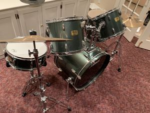 Export Series Pearl 5 piece drum set with Sabina cymbals barely used for Sale in Rockville, MD