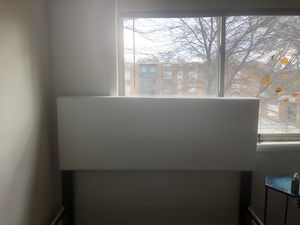 Queen bed frame $80 for Sale in Hyattsville, MD