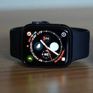 Apple Watch Series 4 44mm Cellular Black for Sale in Orlando, FL