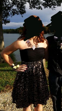 Black w/ Sequin Homecoming Dress - Size 5 for Sale in Washington,  IL