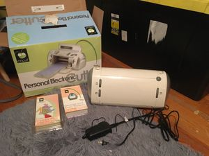 Cricut personal electronic cutter for Sale in Chicago, IL