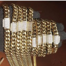 Miami Cubanlink Gold Plated Chains 14k With Bracelet 12 Mm for Sale in Orlando,  FL