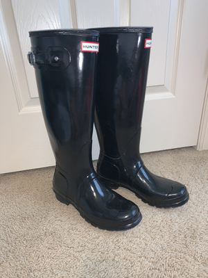 Hunter Rain Boots size 9 (Women's original tall gloss) for Sale in Cedar Park, TX