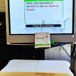 Wii Fit & Balance Board for Sale in San Diego, CA