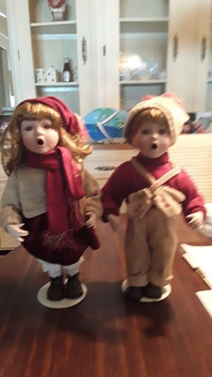 18 inch caroling dolls one boy and one for Sale in Fort Myers, FL