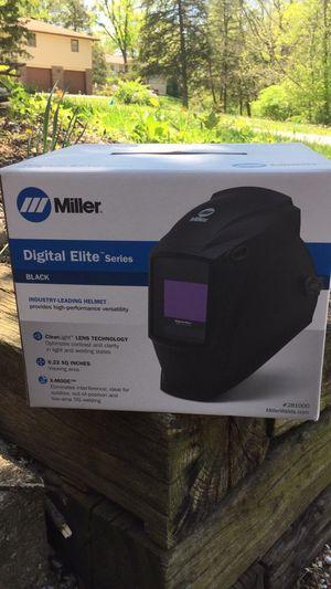 Miller Black Digital Elite Series for Sale in Columbia, MO