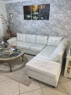 New sectional couch FREE DELIVERY. White black gray for Sale in Hollywood, FL
