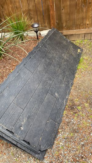 Lifetime flooring 4 sheets used for Sale in Puyallup, WA