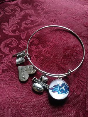 Tennessee Titans wire charm bracelet for Sale in Nashville, TN
