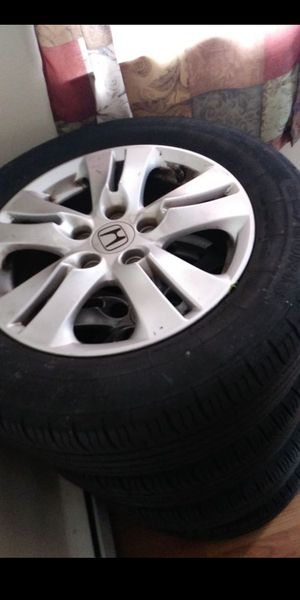 Accord rims with good tires 215/60 16s for Sale in New Haven, CT