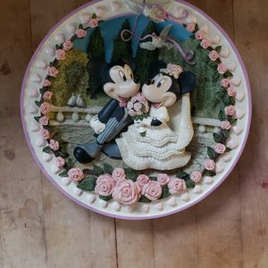 Disney Mickey & Minnie Mouse Wedding 3D Plate for Sale in Chicago, IL