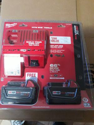 Vendo estas batería y cargador milwaukee for Sale in Hyattsville, MD