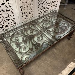 Coffee Table - Iron Table With Mirror for Sale in Forney,  TX