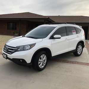 2012 HONDA CR-V. EXL TRIM~ leather seats, Bluetooth,/USB,FWD, rear camera, White Diamond Pearl ext w/ gray leather int for Sale in Hesperia, CA