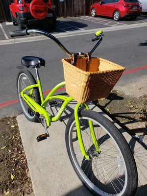 Vibrant Lime Green Electra Beach Cruiser 26 Fully Accessorized 💚🎄 for Sale in HUNTINGTN BCH, CA