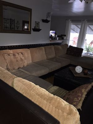 Sectional couch for Sale in Hayward, CA