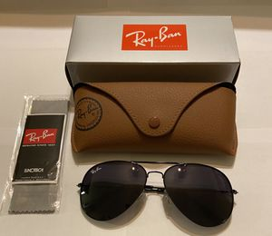 Ray ban Sunglasses with case for Sale in Wichita, KS