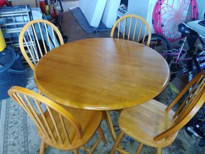 Mint Condition table and chairs $60 for Sale in Buckley, WA