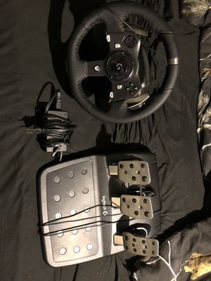 Logitech G920 driving force racing wheel and pedal for Sale in McDonough, GA