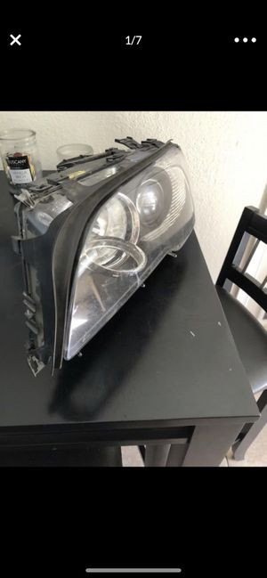 E46 Front Driver Side Headlight (WORKING) for Sale in Snohomish, WA