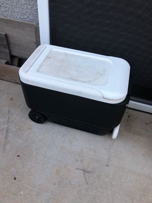 Igloo cooler used once for Sale in Goodyear, AZ