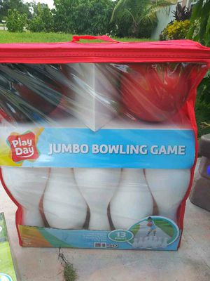Jumbo bowling set for Sale in Lehigh Acres, FL