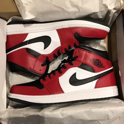 Nike Jordan 1 Mid Chicago Black Toe Sz 12 for Sale in Atlanta,  GA