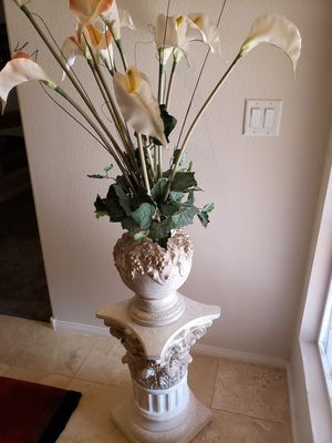 Marble Stand with Vase and Decorative Flowers for Sale in Las Vegas, NV