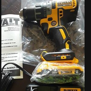 Brand new Dewalt 20v Xr Brushless Drill battery And Charger $100 FIRM ON PRICE for Sale in Fresno, CA