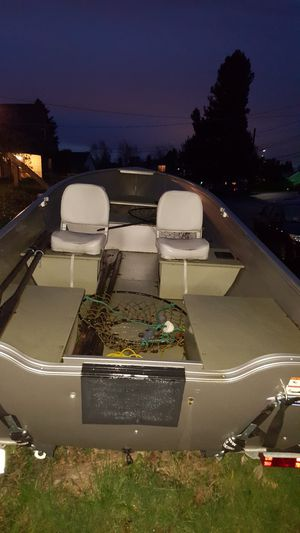 2012 Crestliner 16 aluminum welded boat for Sale in Federal Way, WA