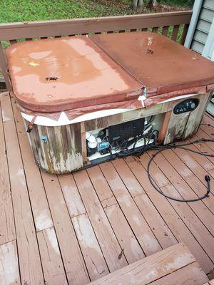 Hot tub 4 person for Sale in Loganville, GA